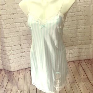 VS Nightgown Slip Chemisole size SP